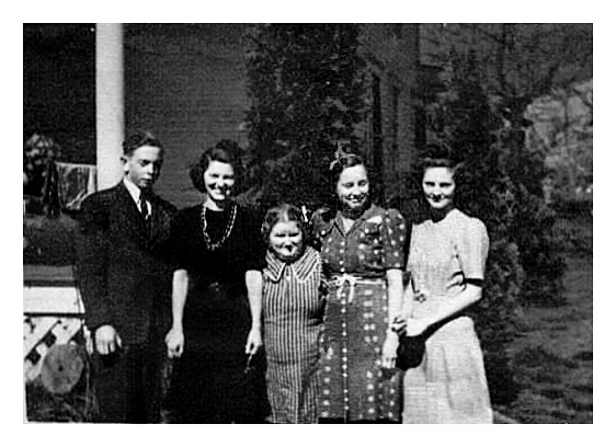 Bob, Jean, Marjory, Dorothy and Kitty Spiker